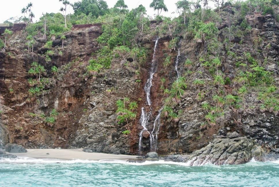 Ilambra September 2013 Air Terjun Kecil Pantai Bertebing Tengah Perjalanan