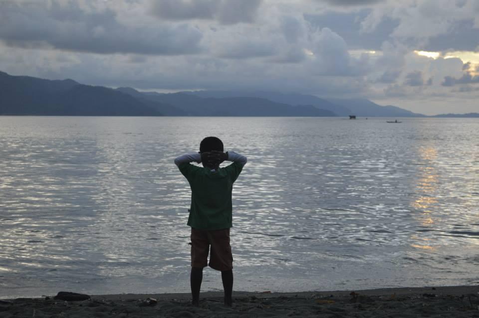 Pesona Danau Sentani Tempat Wisata Pantai Amai Distrik Depapre Memang