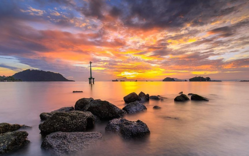 17 Tempat Wisata Jayapura Papua Hits Dikunjungi Pantai Dok 2