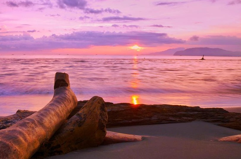 17 Tempat Wisata Jayapura Papua Hits Dikunjungi Pantai Hamadi Yacoba