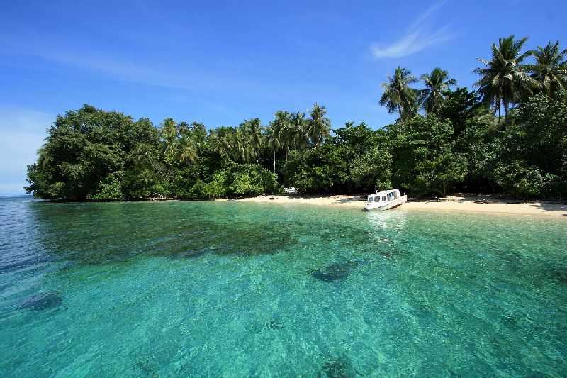 Mutiara Hitam Ujung Timur Indonesia Menympan Berbagai Pesona Pantai Yacoba