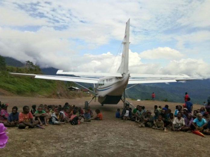 Bandara Beroperasi Ribuan Warga Kabupaten Yahukimo Tak Terisolir Pesawat Tengah