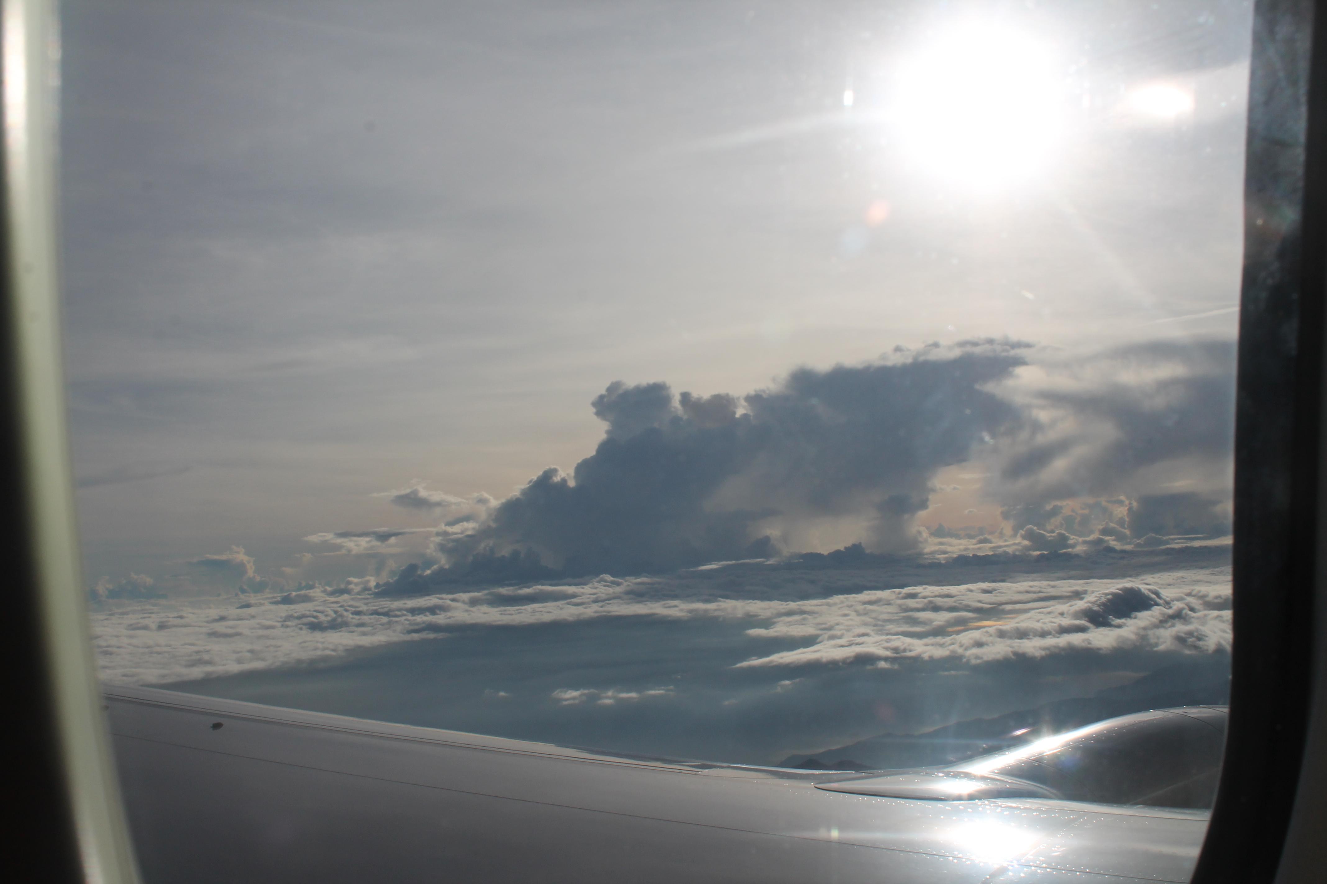 Bandara Garasi Wamena 2 Drprita1 Fajar Jendela Pesawat Tengah Hutan