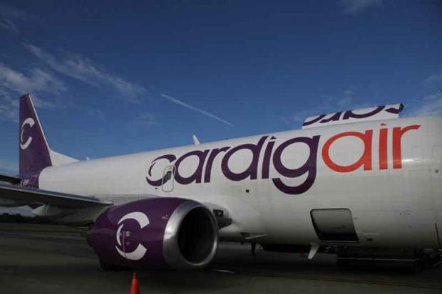 Pesawat Cardig Air Tergelincir Bandara Wamena Terganggu Nasional Foto Cardigair