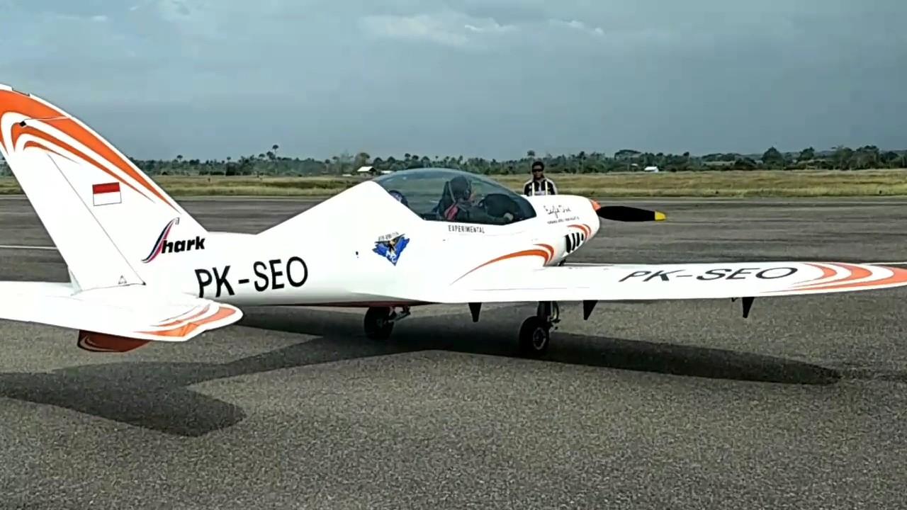Pesawat Irwandi Yusuf Terbang Malikusaleh Youtube Tengah Hutan Kab Jayapura