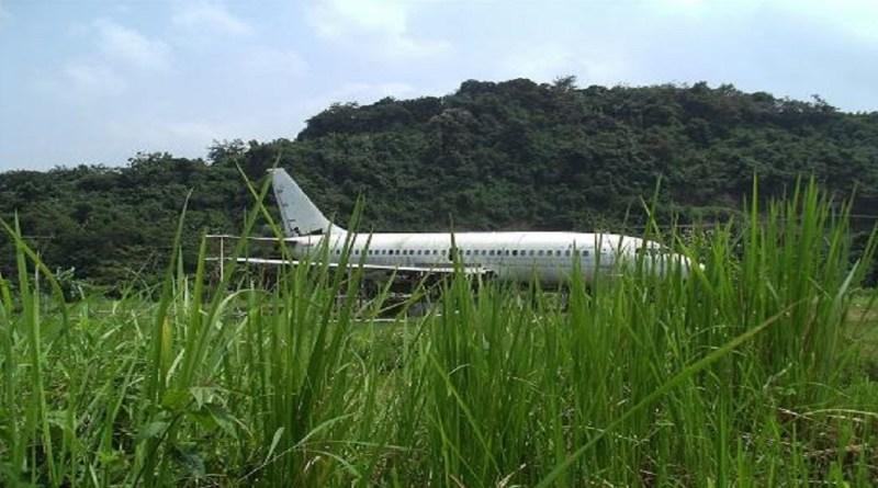 Pesawat Jenis Boeing 737 200 Tertulis Body Milik Trigana Air