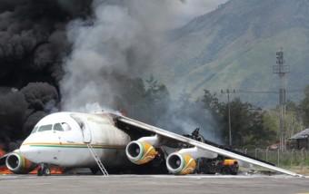 Pesawat Muatan Bbm Terbakar Bandara Wamena News Cargo Nusantara Jenis