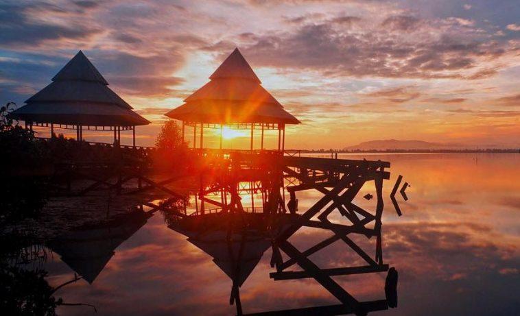 17 Tempat Wisata Jayapura Papua Hits Dikunjungi Teluk Youtefa Kab