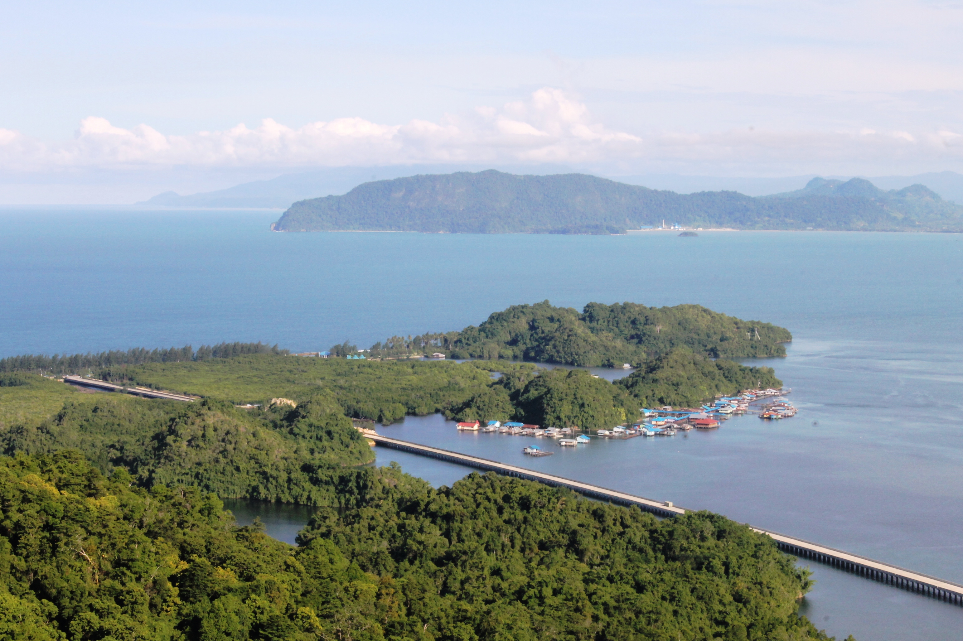 Dua Jembatan Daerah Perbatasan Bakal Jadi Ikon Batas Negeri Holtekam