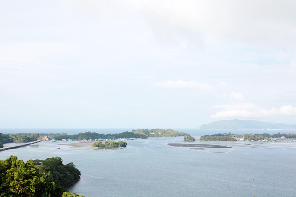 Jelajah Alam Budaya Sentani Jayapura Memandang Teluk Youtefa Kab