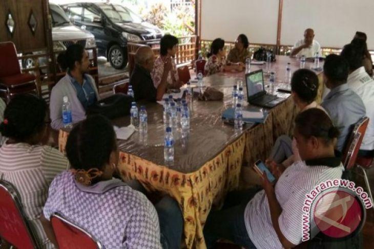 Lma Ajak Warga Jaga Kebersihan Teluk Youtefa Antara News Papua
