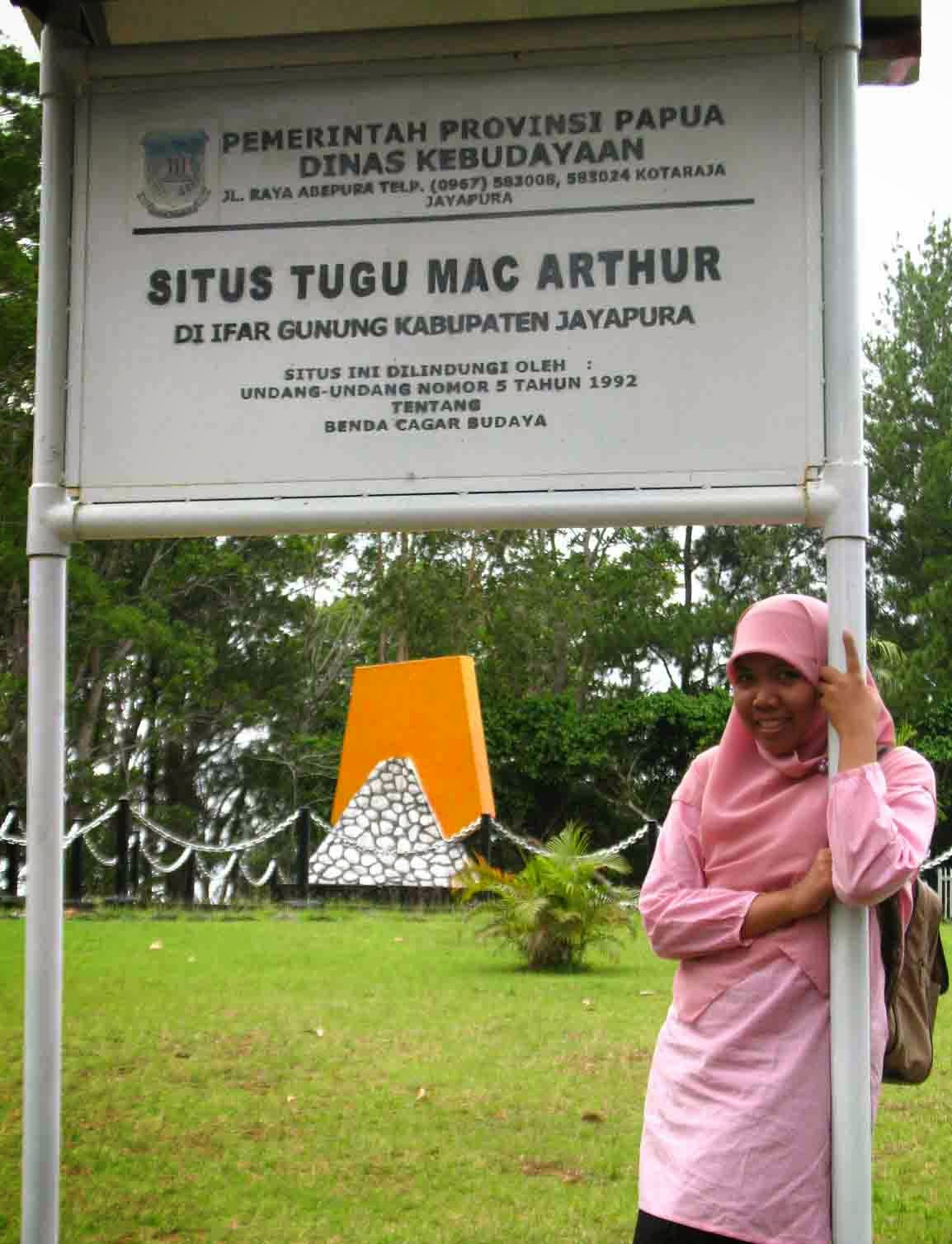 Travel Books Travelogue Jayapura Cantik Lokasi Kita Melihat Teluk Youtefa
