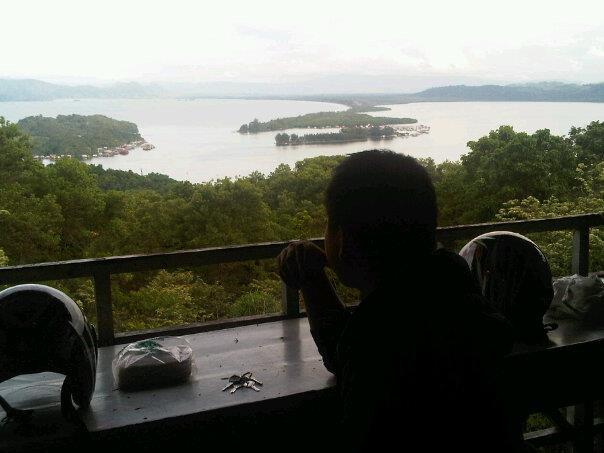 Trip Indonesia Indahnya Jayapura Papua Pemandangan Teluk Youtefa Sambil Menikmati
