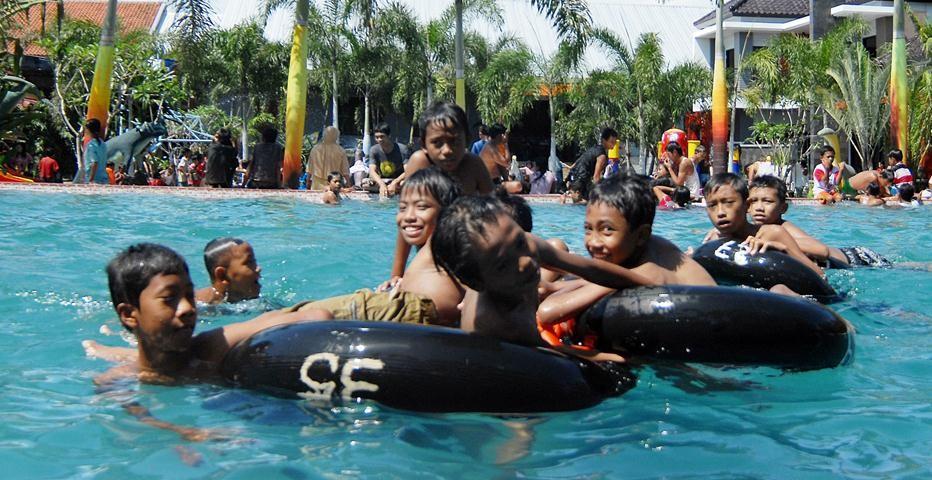 Pontang Waterpark Pemerintah Kabupaten Jember Dira Park Kab