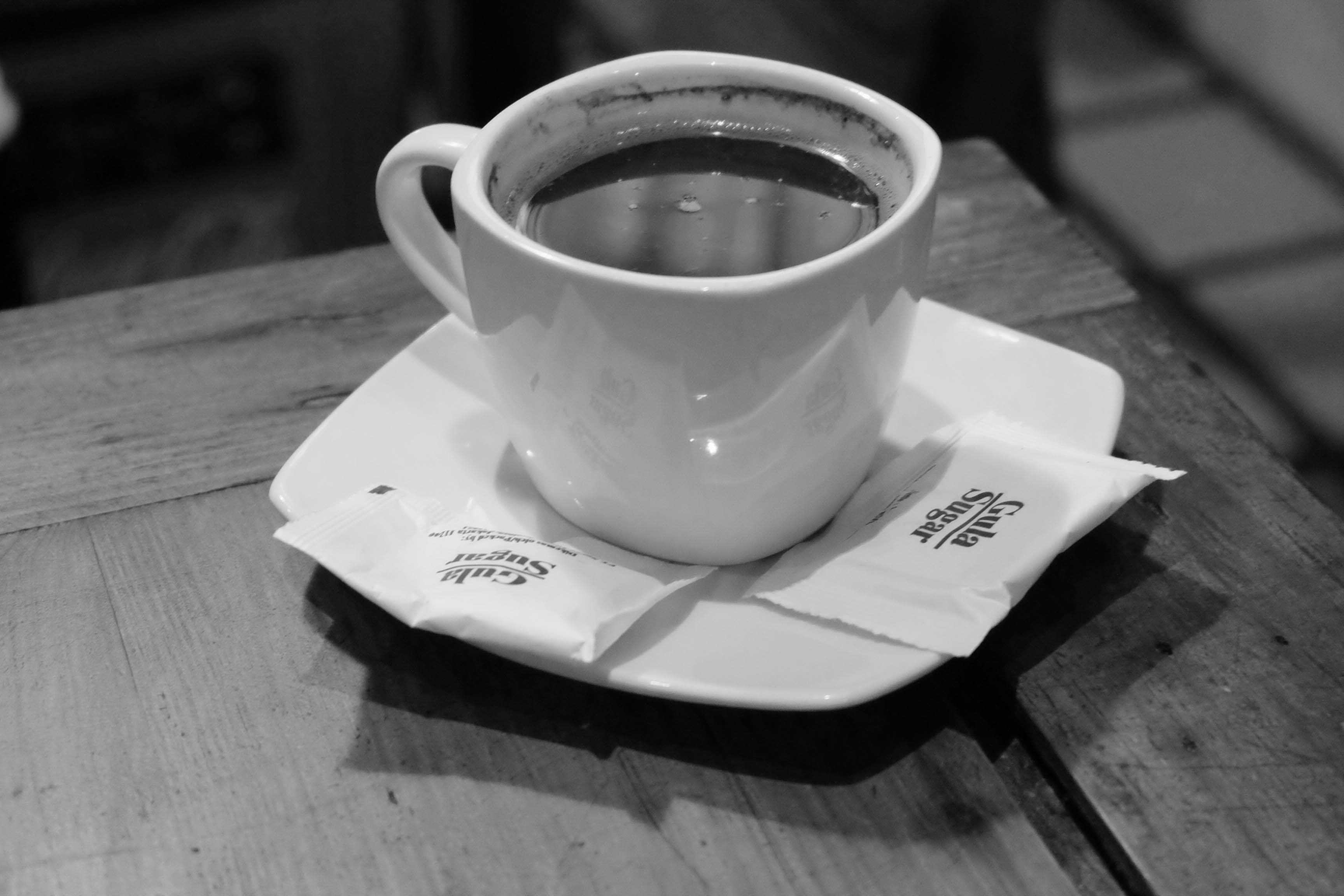 Kafe Kolong Tempat Ngopi Unik Jember Ulinulin Bagi Pecinta Kopi