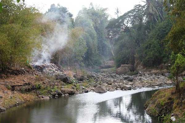 Sungai Bedadung Jember Kafe Kolong Kab