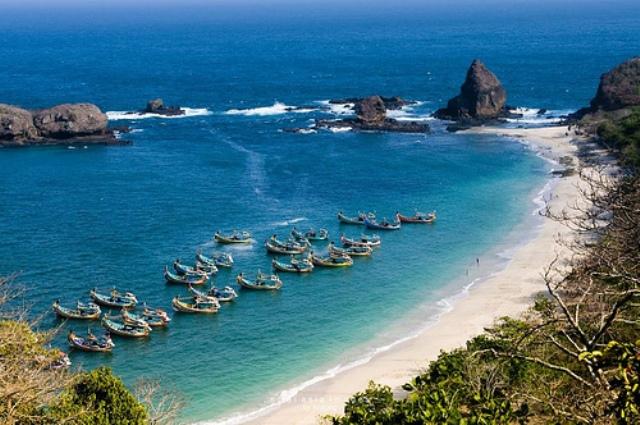 56 Tempat Wisata Jember Menarik Dikunjungi Liburan Pantai Papuma Kimo