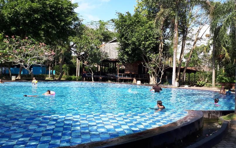 Kolam Renang Kimo Jember Trip Jalan Kab