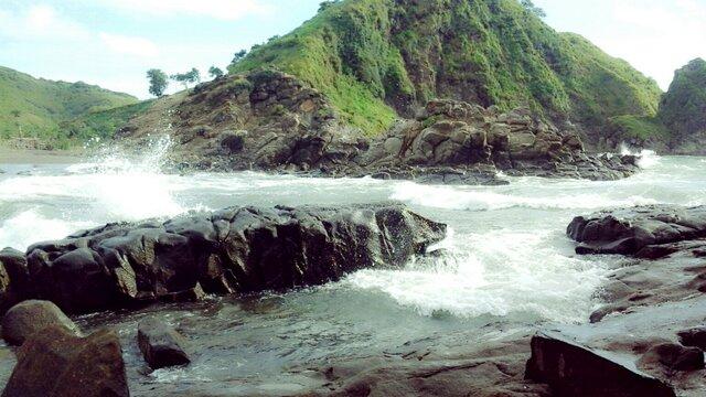10 Tujuan Wisata Jember Beritau Net Pantai Watu Ulo Loko