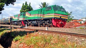Kereta Api Pengangkut Kertas Bubur Indonesia Cc203 Loco Tel Jpg