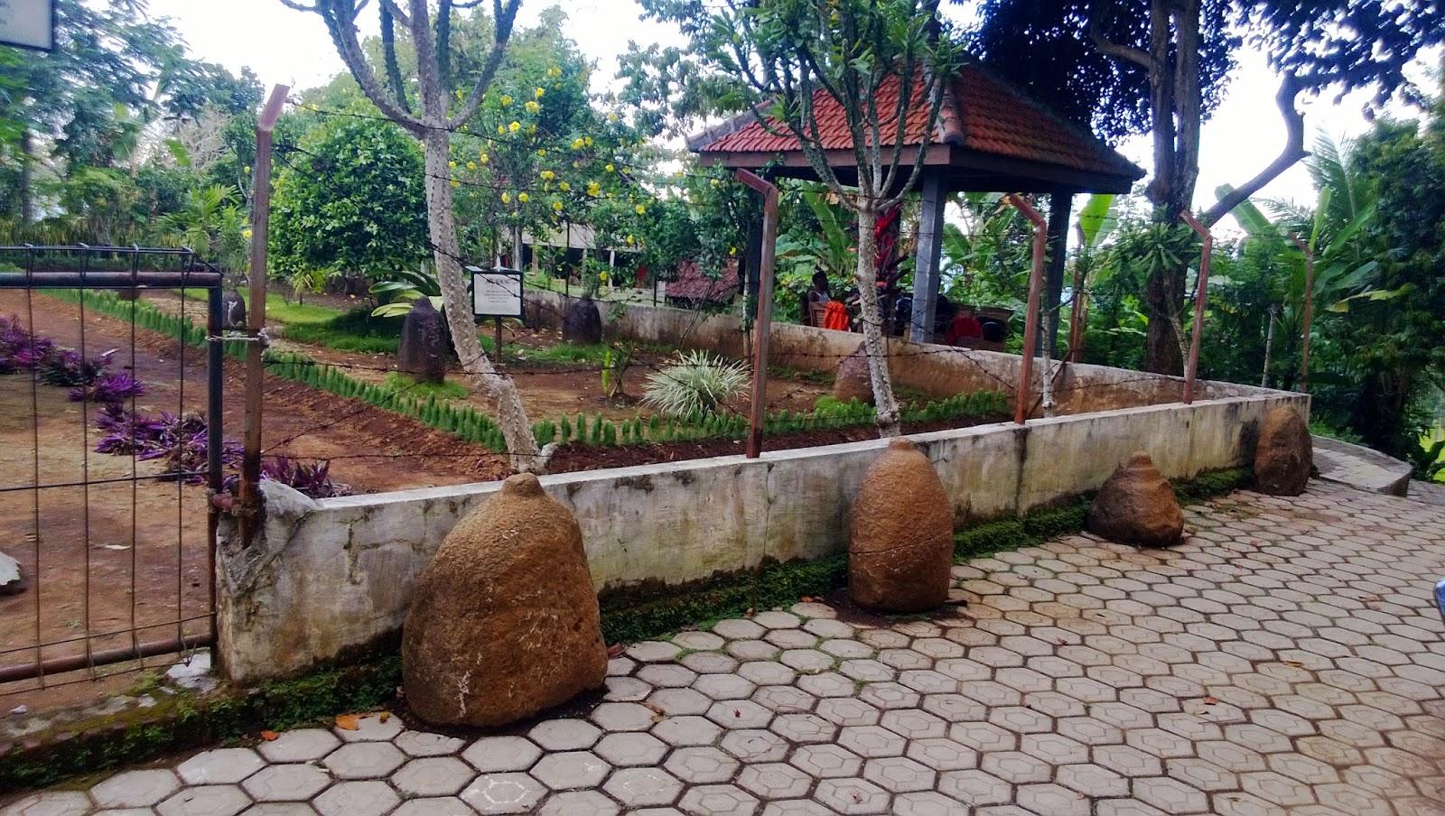 Bhattara Saptaprabhu Rekonstruksi Historisitas Jember Keterangan Foto Prasasti Congapan Karang