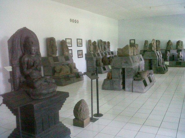 Kondisi Museum Purbakala Jember Gudang Penyimpanan Benda Bersejarah Huruf Kab