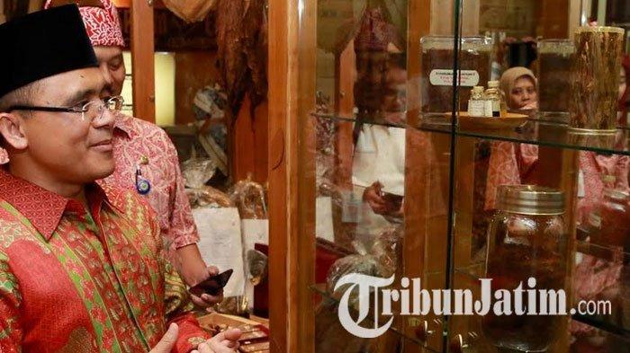 Bupati Banyuwangi Anas Terkesima Museum Tembakau Jember Kab