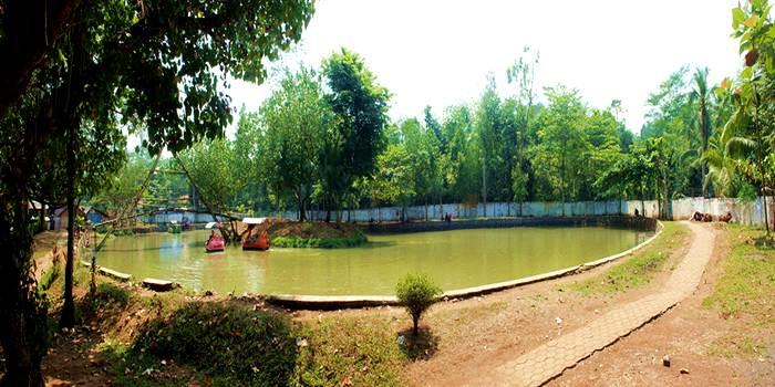 Pesona Kolam Renang Pemandian Patemon Tanggul Jember Tempat Danau Mini