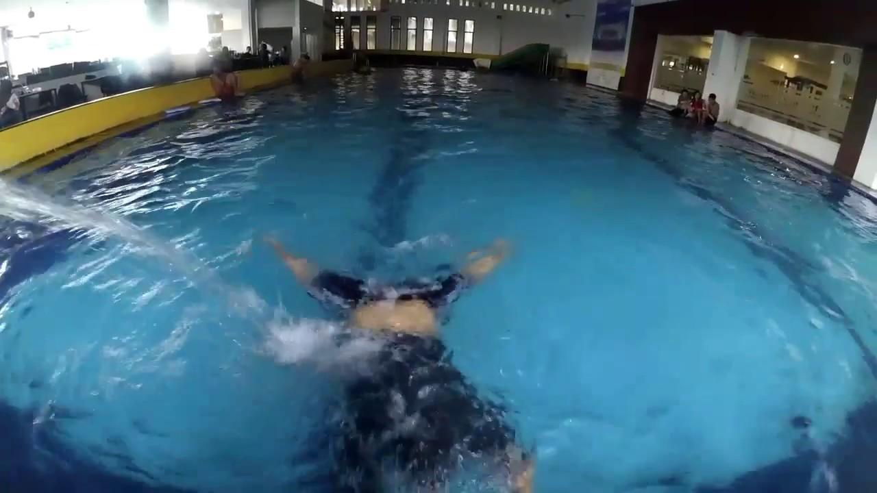 Renang Bareng Bule Umj Cempaka Swimming Pool Jember Youtube Nongai