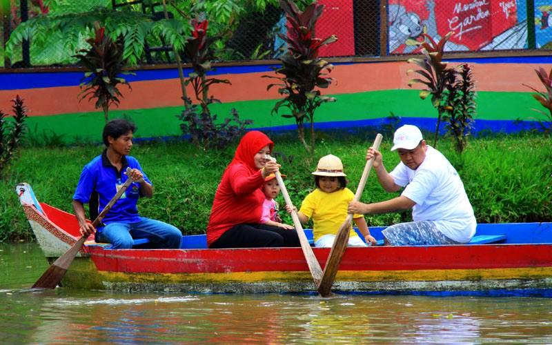 Taman Agro Kolam Renang Mumbul Garden Jember Tempat Wisata Nongai