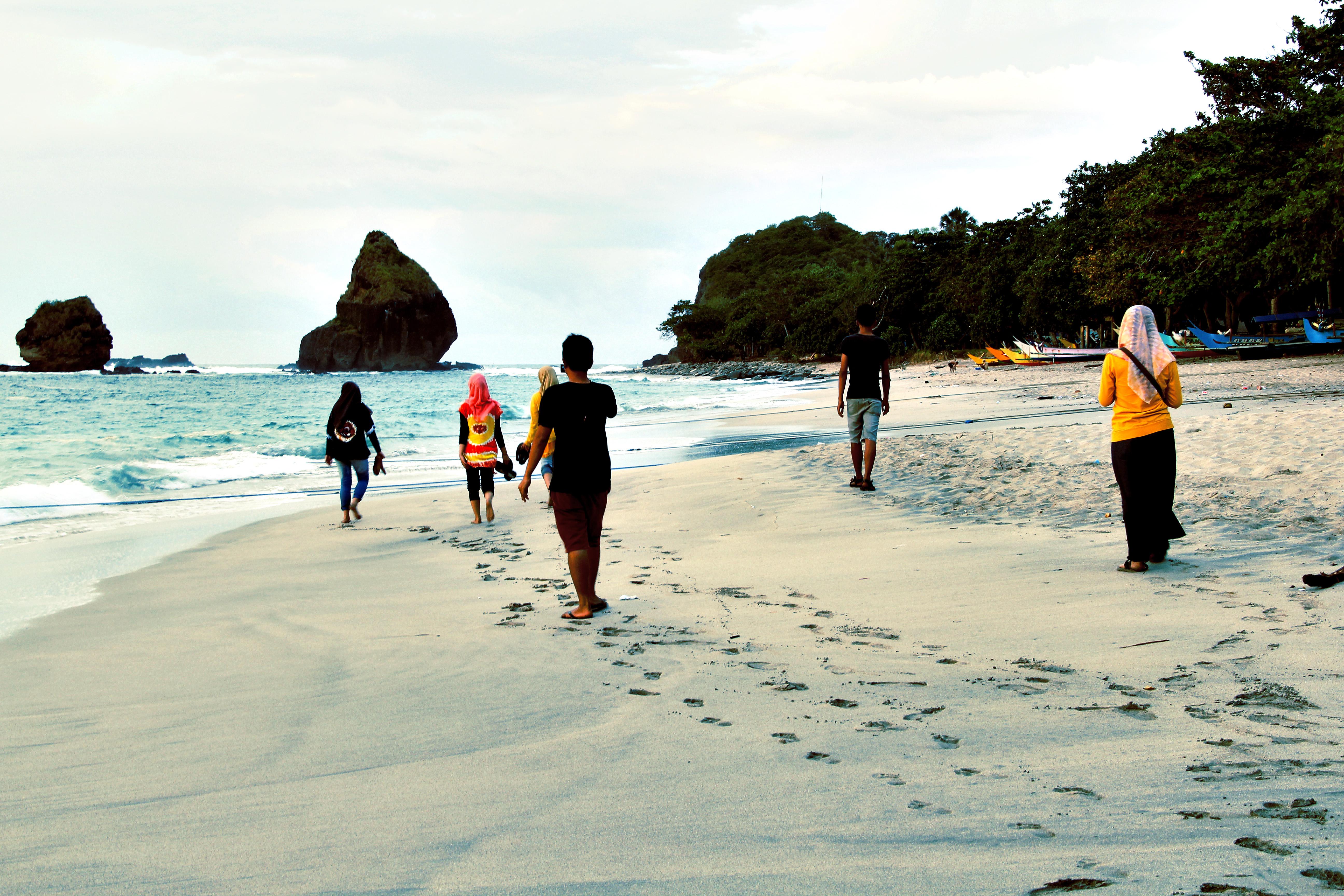 4 Mitos Tentang Pantai Papuma Ngeri Sedap Yuk Piknik Featured