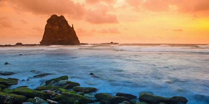 5 Mitos Gaib Meliputi Pantai Papuma Jember Merdeka Kab