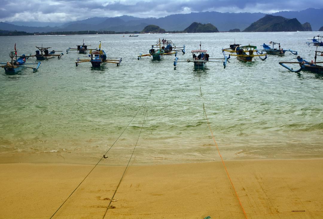Pantai Papuma Jember Keindahanpantai Dibalik Kisah Batu Mandalika Kab
