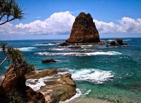 Tanjung Papuma Tempat Liburan Seru Indah Jember Objek Wisata Pantai