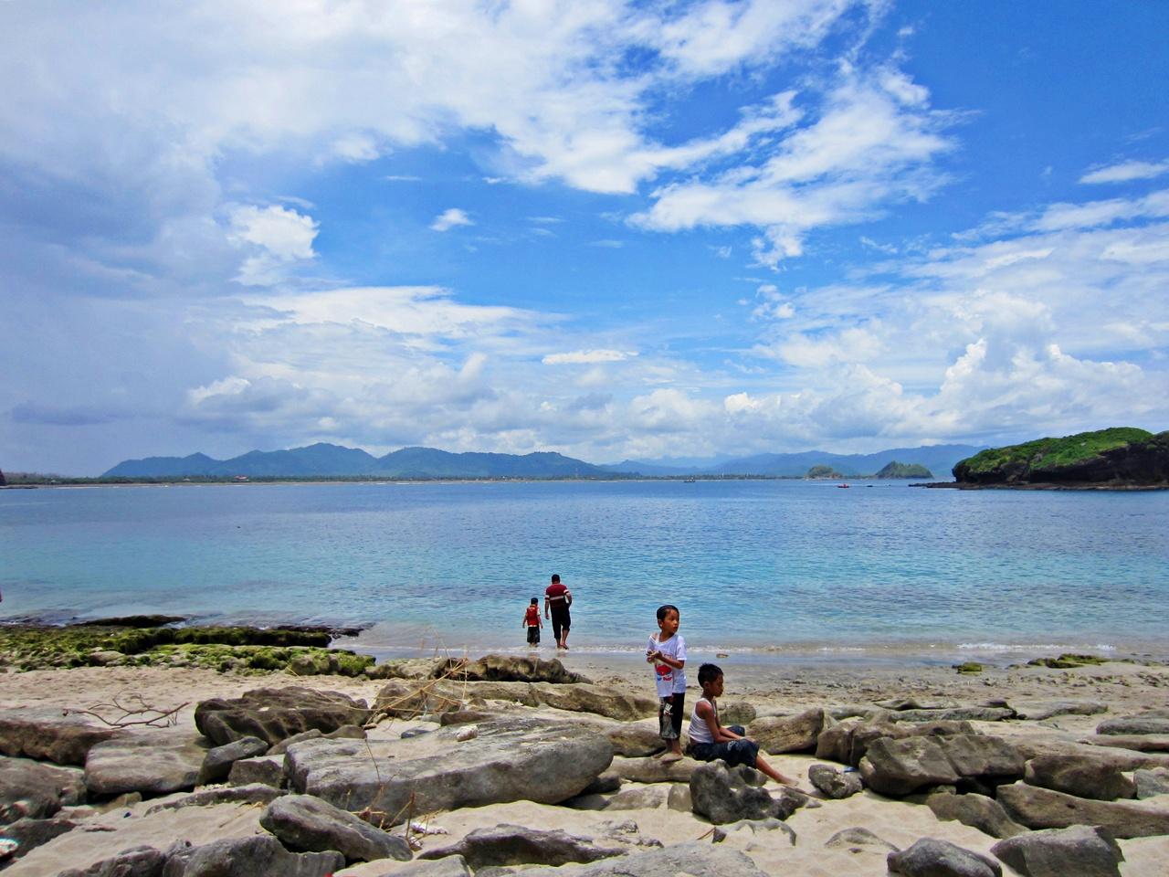 Wisata Jawa Timur Pantai Papuma Jember Varokah Kab