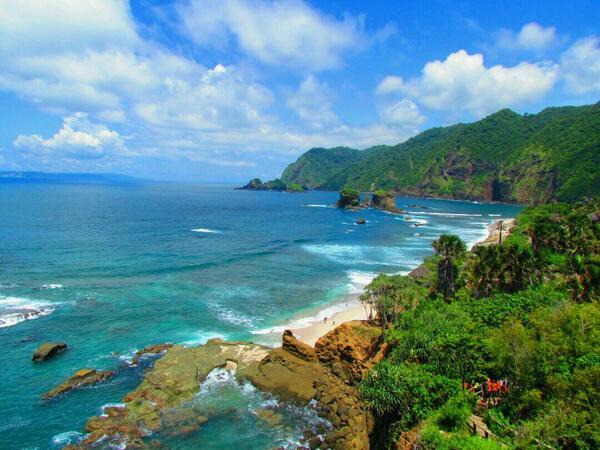 10 Tujuan Wisata Jember Beritau Net Pantai Papuma Puger Kab