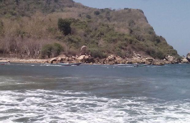 Ombak Kembali Normal Nelayan Jember Melaut Blitar Sebuah Perahu Nelayaan