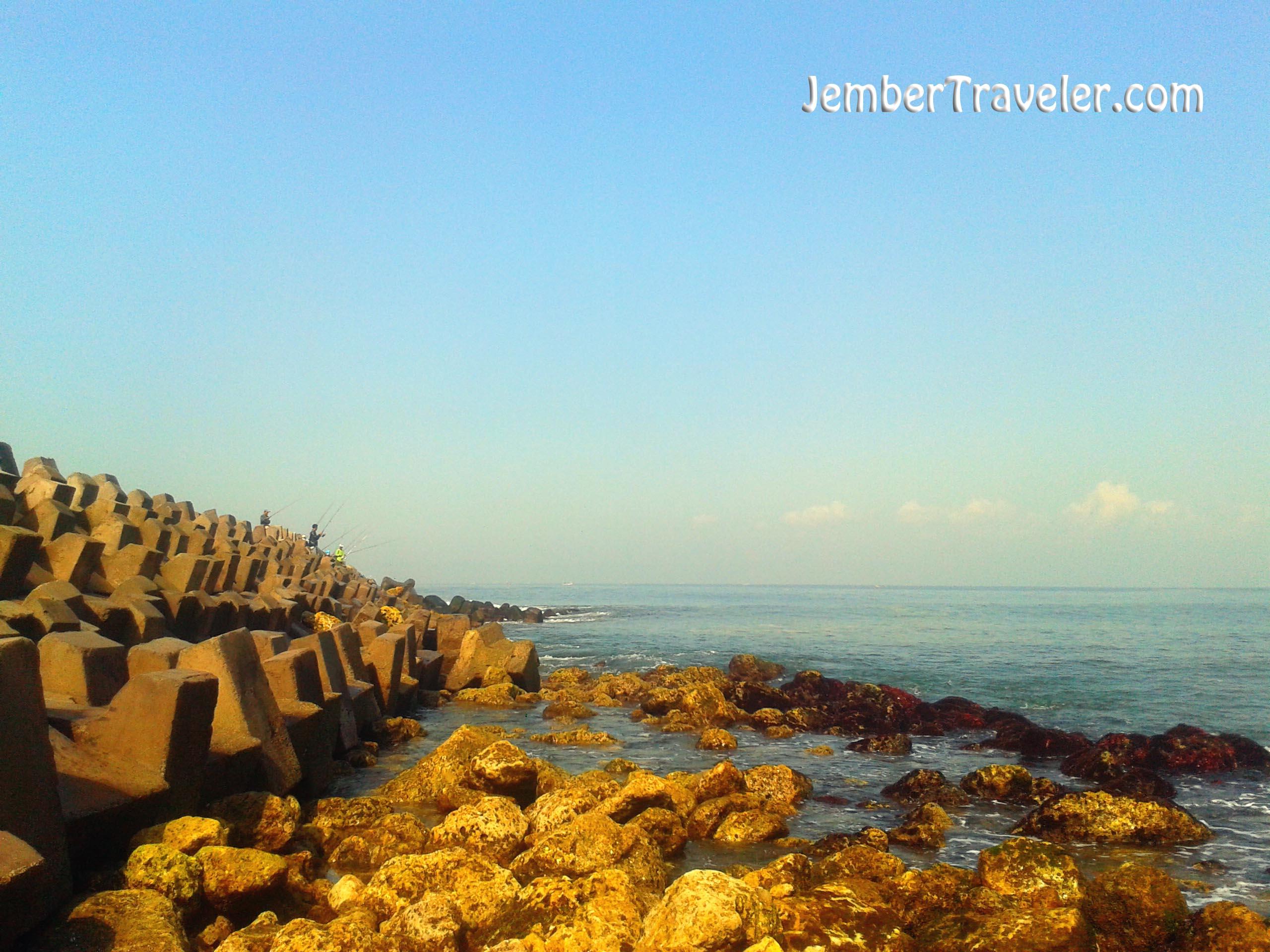 Pantai Pancer Jember Wisata Pemecah Ombak Traveler Karang Beton Puger