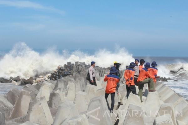 Pelajar Tenggelam Pantai Selatan Jember Ditemukan Antara News Puger Kab