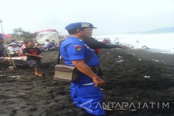 Sar Temukan Wisatawan Tenggelam Pantai Getem Puger Antara Kab Jember