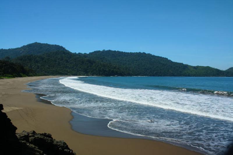 Jawa Timur Keindahan Pantai Watu Ulo Jember Kab