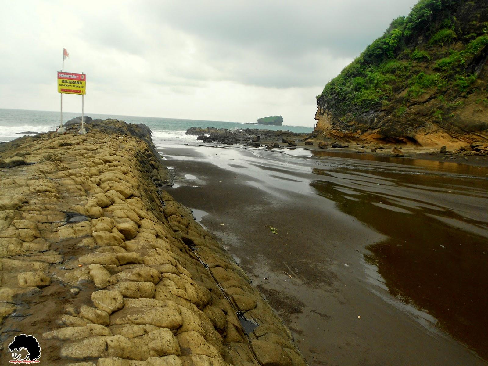 Legend Watu Ulo Beach Backpacker Jakarta Pantai Kab Jember