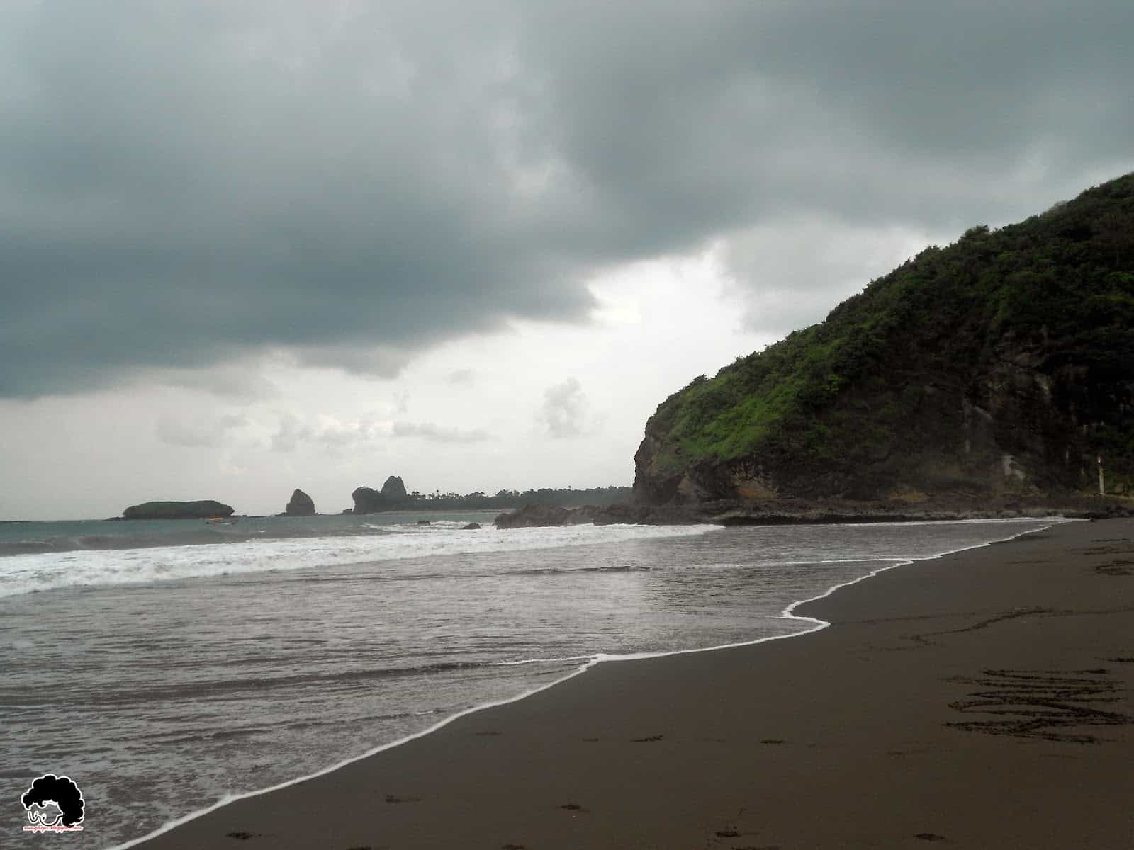 Legenda Pesona Pantai Watu Ulo Jember Jawa Timur Ulinulin Lokasi