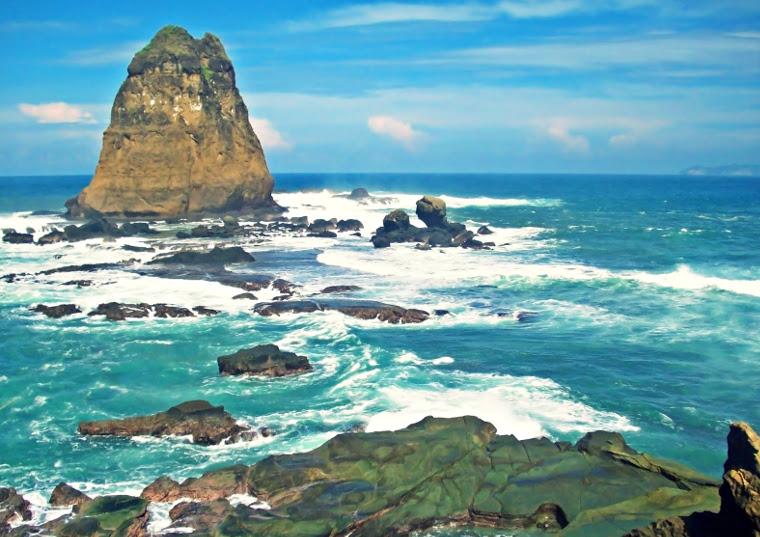Pantai Papuma Jember Penuh Mitos Tapi Keren Yuk Piknik Watu
