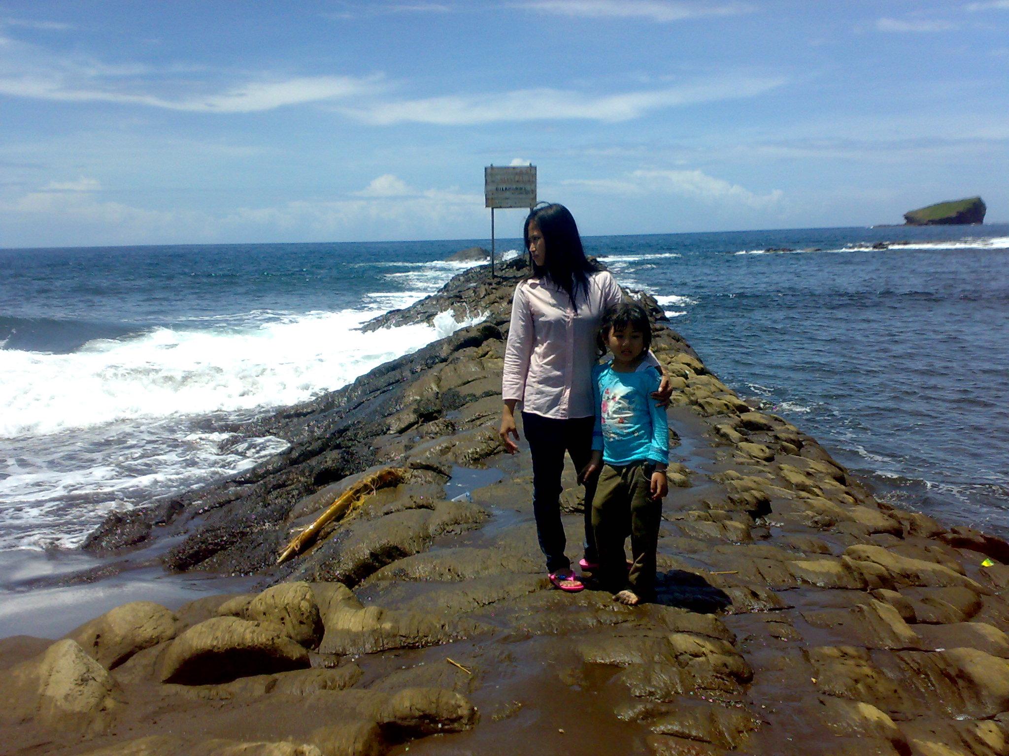 Pantai Watu Ulo Aghitacom Blog Kab Jember