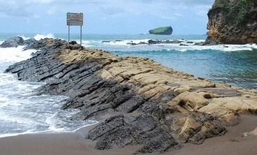Pantai Watu Ulo Jember Asal Usul Lokasi Kab