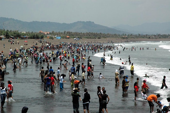 Pantai Watu Ulo Jember Bedadung Kab