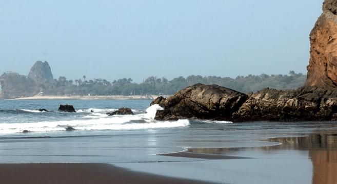 Pantai Watu Ulo Jpg Tempat Id Kab Jember
