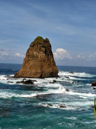 Pantai Watu Ulo Picture Tanjung Papuma Jember Tripadvisor Kab