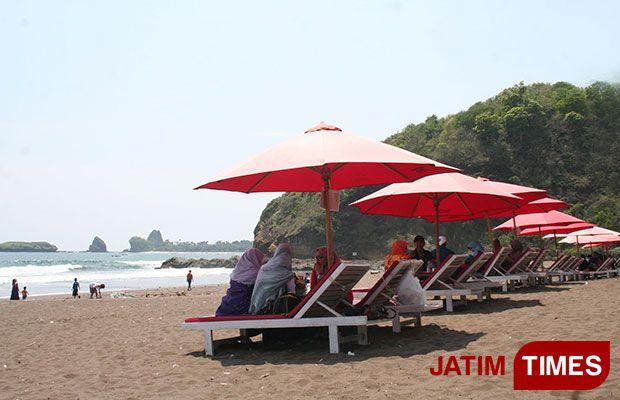 Pantai Watu Ulo Tak Menjadi Ikon Wisata Jember Jatim Sejumlah